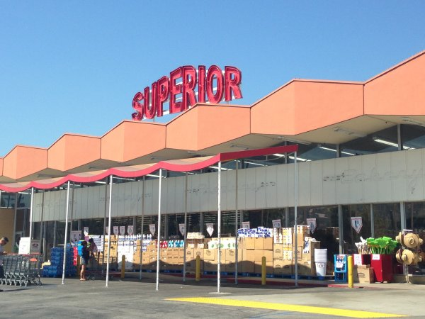 superior supermarkets centralia Describe superior supermarket's competitive interaction in centralia order now read the superior supermarket case study on pages 484-495 in our textbook, and answer the questions below in essay.