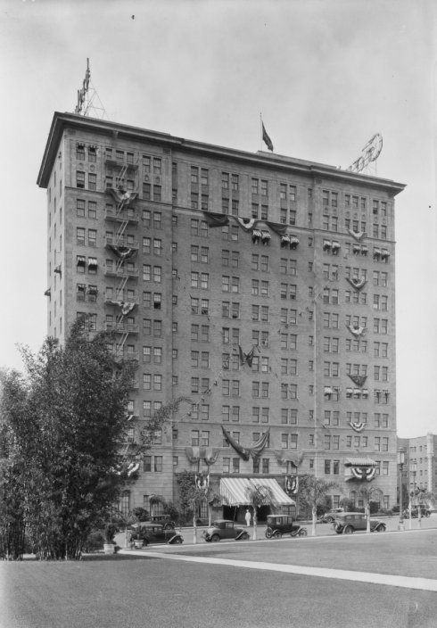 Security Pacific Collection/Los Angeles Public Library. Gaylord Apartments  ...