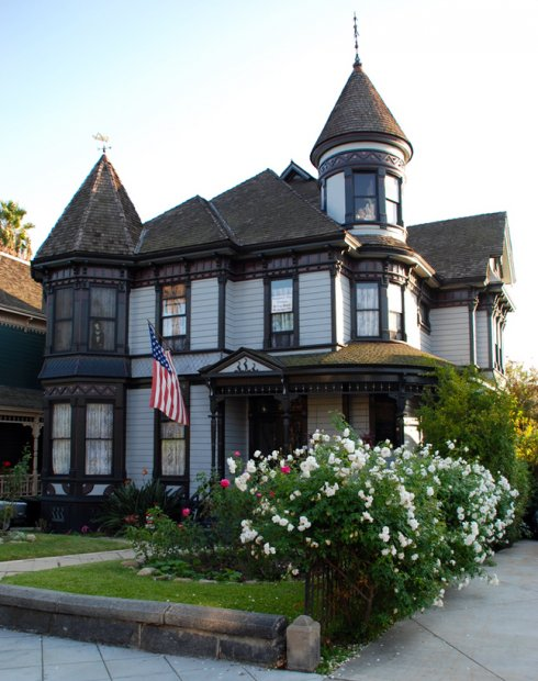 Angelino heights walking tour los angeles conservancy for Victorian home construction